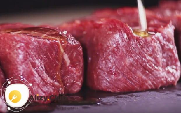 По этому рецепту можно также приготовить антрекот из говядины в духовке.