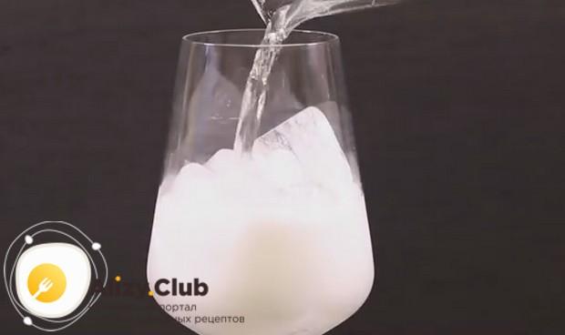 Приготовьте коктейль Апероль шприц по нашему рецепту с фото.