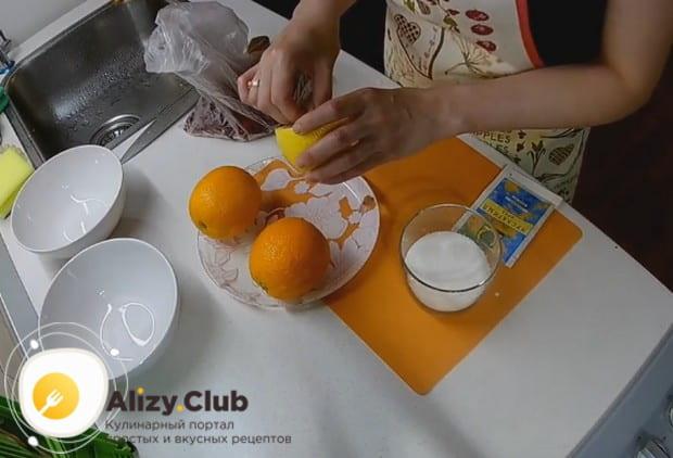 Среди рецептов на зиму можно выделить и такой соус из брусники.