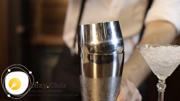 Для приготовления коктейля дайкири по классическому рецепту, подготовьте все необходимые ингредиенты