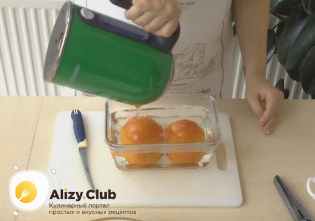 В этом рецепте фаршированного болгарского перца используем по возможности свежие помидоры.