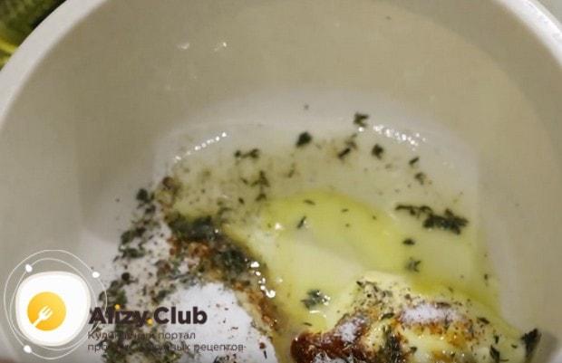 Маринад, как в этом рецепте с фото, подходит и ля филе индейки в духовке.