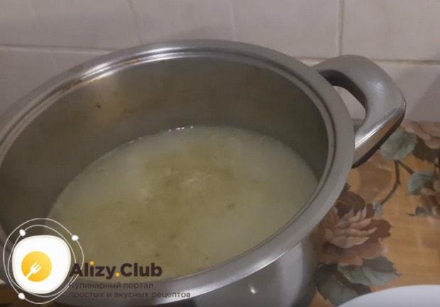 Приготовим холодец с желатином на бульоне.