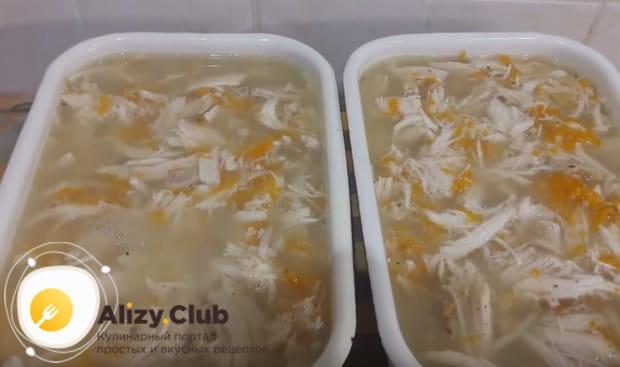 Теперь вы знаете, как приготовить желатин для холодца и как легко можно сделать такую сытную закуску.