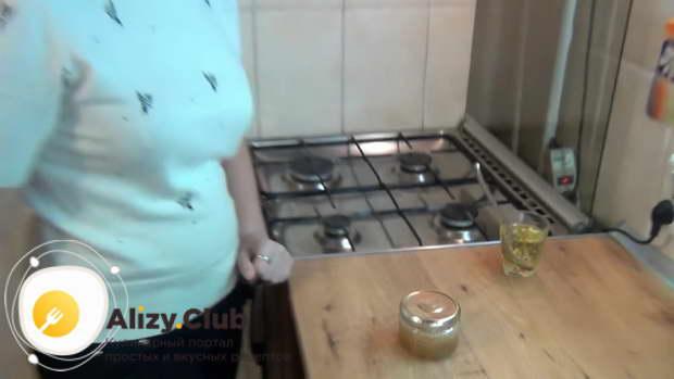 Видео о том, как засолить икру щуки в домашних условиях