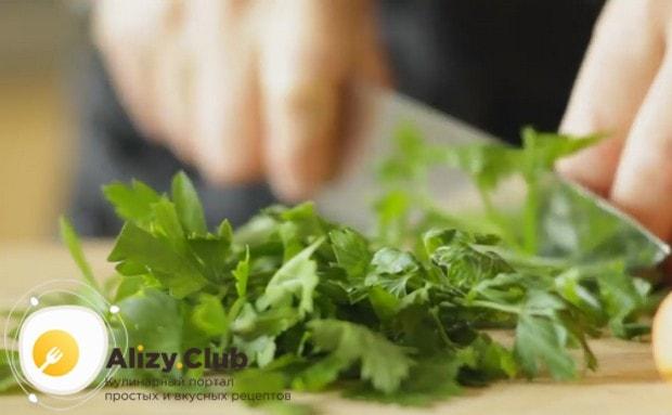 Предлагаем вашему вниманию простые рецепты с фото, которые помогут вкусно запечь мясо индейки в духовке.