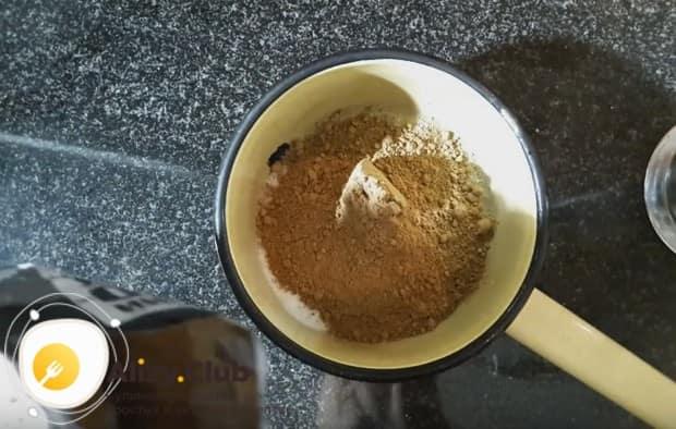 А вот простой рецепт шоколадного топпинга, которым можно украсить капучино.