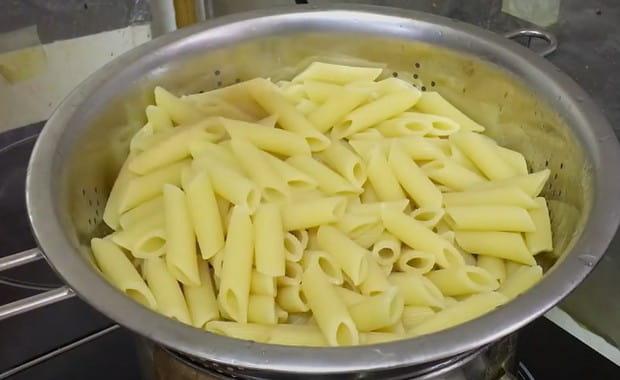 Как варить макароны в кастрюле по пошаговому рецепту