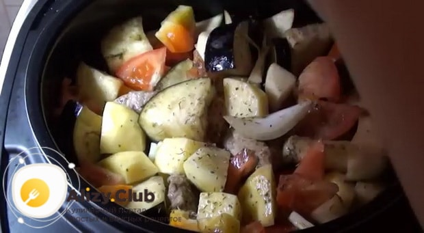 Картошка с баклажанами в мультиварке, готовится быстро