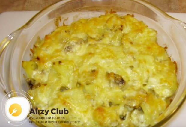 Вкуснейшая картошка с грибами и сыром в духовке готова!
