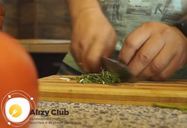 В мультиварке получается вкусной также жареная картошка с мясом.