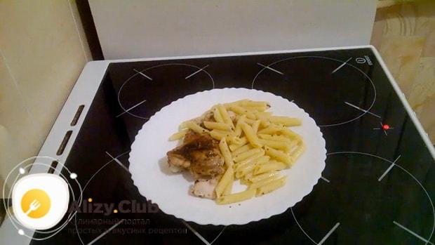 Вкусные макароны с курицей в духовке готовы