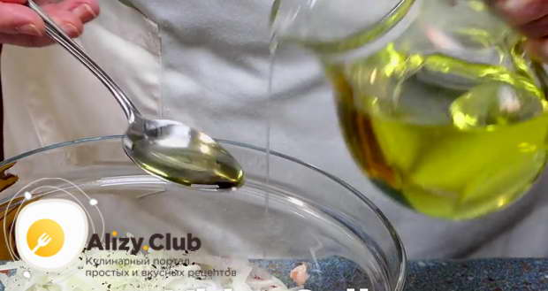 Вливаем растительное масло