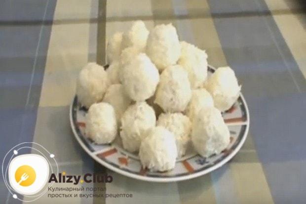 Попробуйте приготовить конфеты рафаэлло дома по этому простому рецепту с фото.