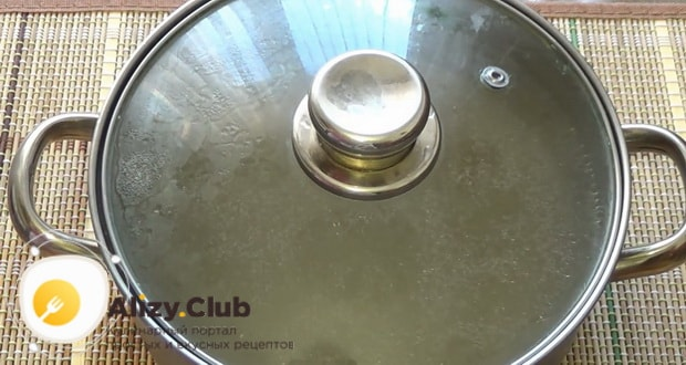 Смотрите как сварить куриный бульон в мультиварке