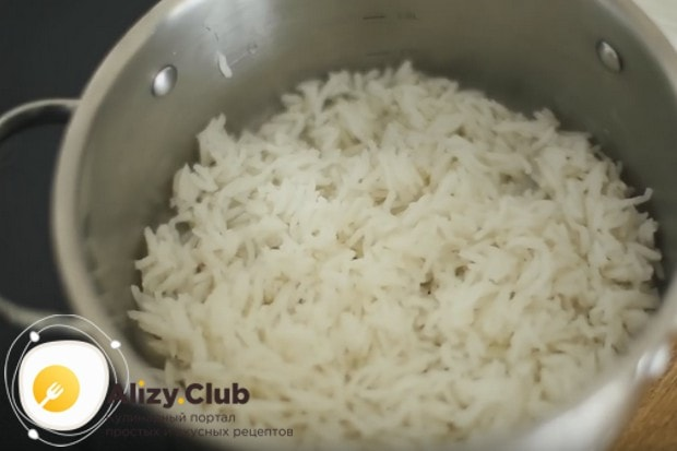 Подавать курицу терияки будем с рисом.
