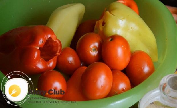 Попробуйте приготовить лечо из перца и помидор без уксуса