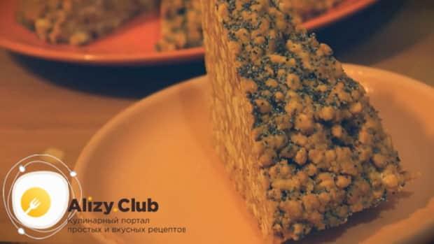 Для приготовления торта муравейник по простому рецепту со сгущенкой подготовьте украшения