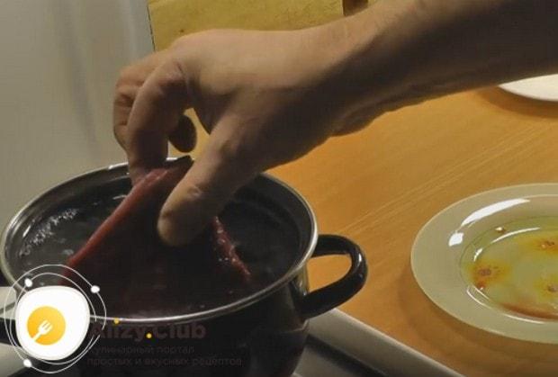 Если в любите отварное мясо, вас наверняка заинтересуют рецепты приготовления говядины.