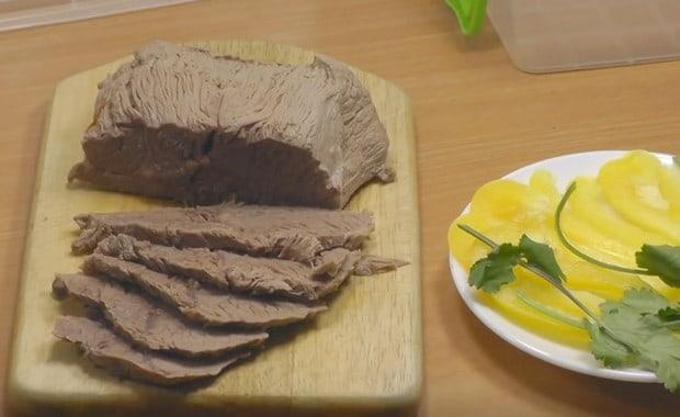 Пошаговый рецепт приготовления отварной говядины с фото