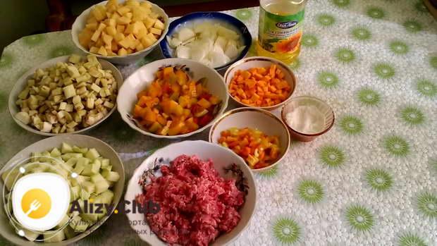 овощное рагу с фаршем и кабачками