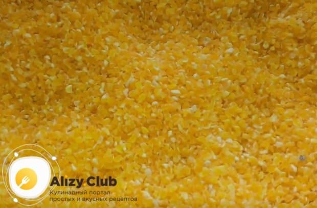 По простому рецепту полента из кукурузной крупы готовится в мультиварке.