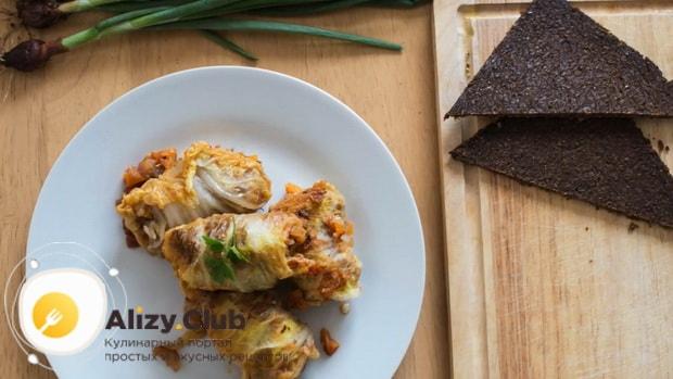 Для приготовления голубцов из пекинской капусты, подготовьте нужные ингредиенты