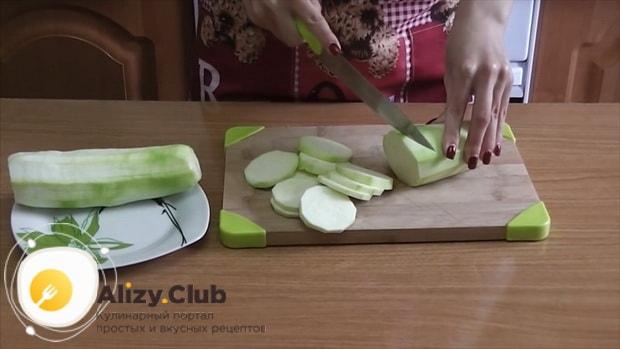 Готовим кабачки с помидорами и сыром в духовке