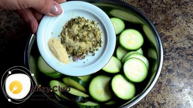 Готовим кабачки запеченные в духовке с сыром