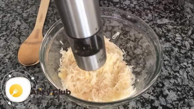 Для приготовления закуски с красной икрой по пошаговому рецепту с фото, добавьте перец