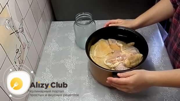 Смотрите рецепт куриного холодца в мультиварке