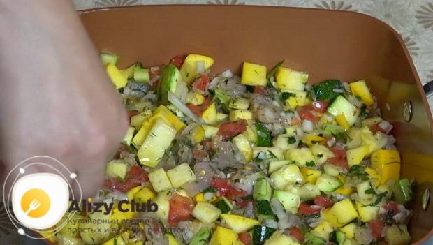 Для приготовления кабачков запеченные в духовке с фаршем подготовьте форму