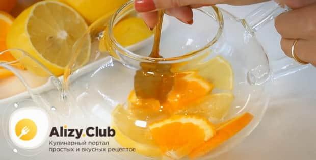 По рецепту для приготовления имбирного чая с лимоном и медом. соедините ингредиенты