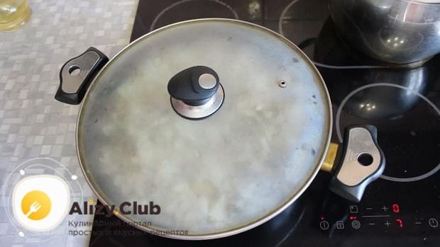 Готовим жареные грибы вешенки с луком под крышкой
