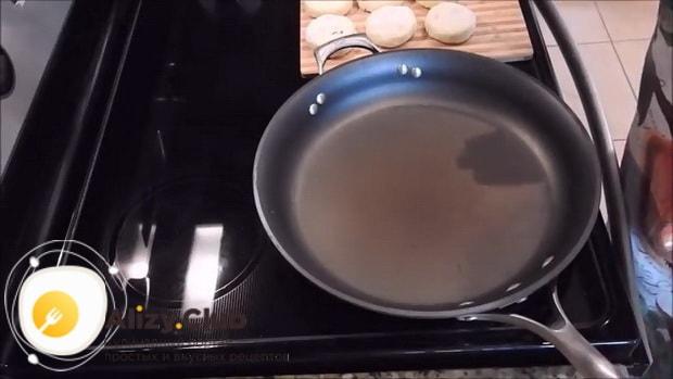 ля приготовления сырников в духовке без муки, разогрейте сковородку