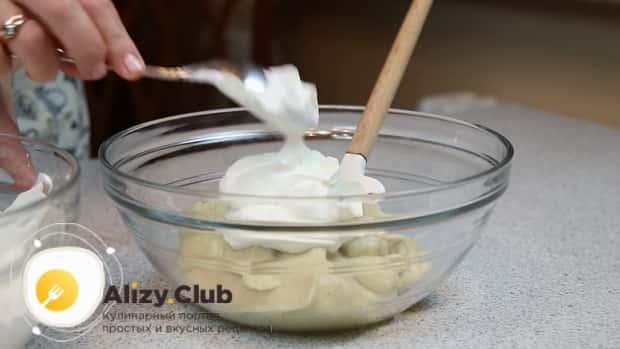 Для приготовления торта чародейка по рецепту в домашних условиях, приготовьте заварной крем