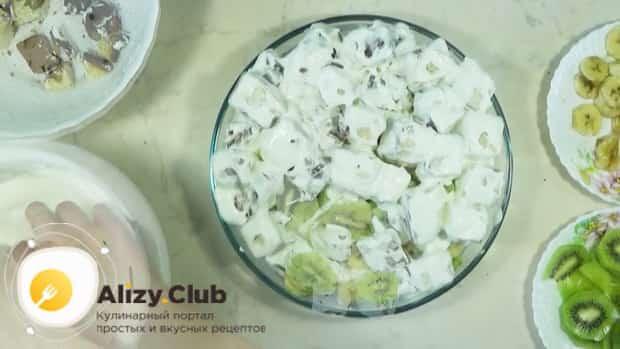 Для приготовления торта графские развалины выложите ингредиенты слоями