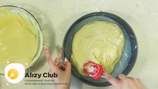 Для приготовления торта графские развалины подготовьте форму.