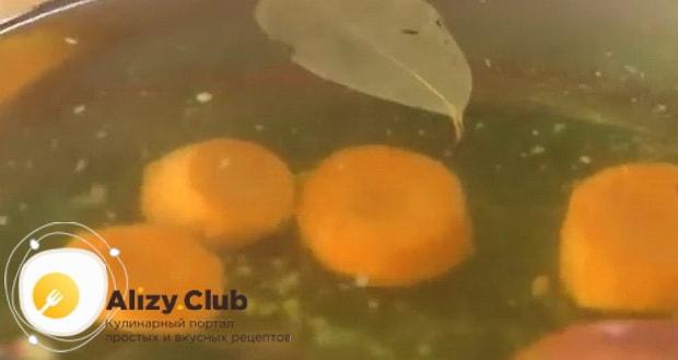 Как приготовить заливное из филе судака, пошаговый рецепт.
