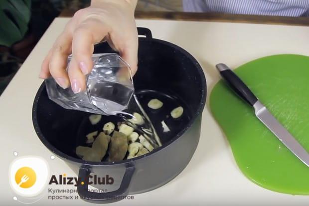 Этот рецепт маринованных грибов шампиньонов в домашних условиях предельно простой.