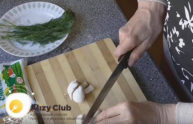 Приготовим вкусные шампиньоны в сметане на сковороде по пошаговому рецепту с фото.