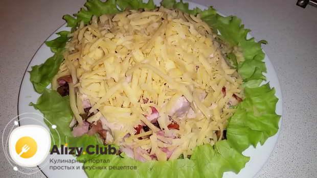Готовый салат сразу нужно подавать к столу