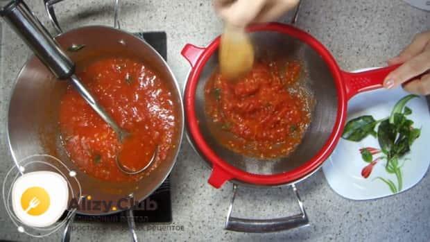 По рецепту. для приготовления соуса к пасте, протрите помидоры