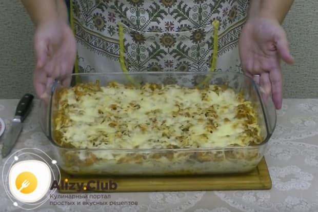 Готовим спагетти с фаршем в духовке минут 15, чтобы расплавился сыр.