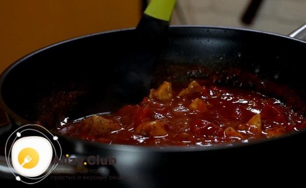 Готовим очень вкусное спагетти с курицей в томатном соусе