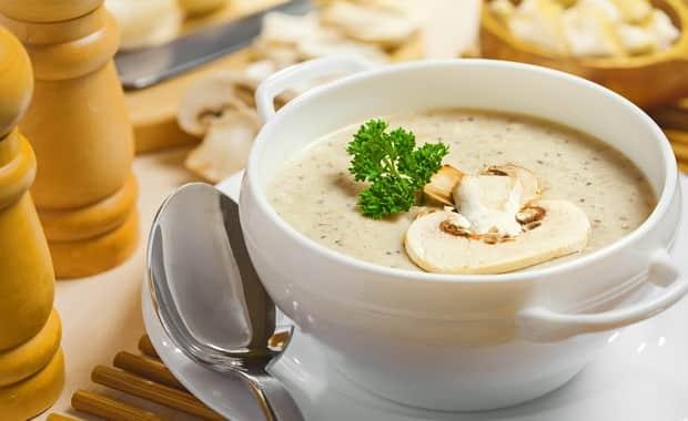 Пошаговый рецепт вкусного супа из шампиньонов с картофелем