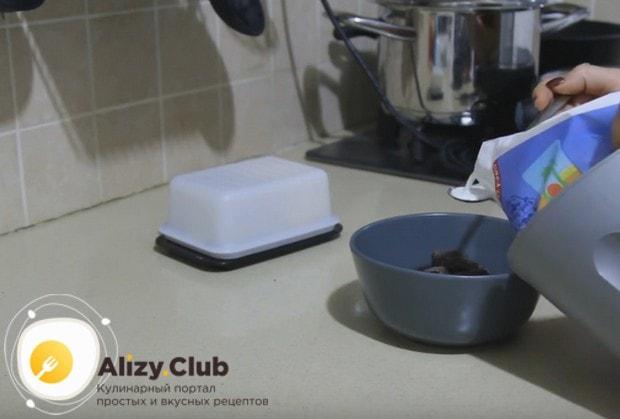 Приготовим помадку для украшения торта.