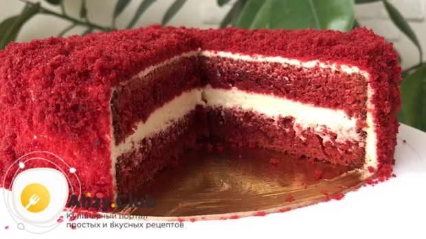 Отправляем торт перед подачей на 2-3 часа в холодильник