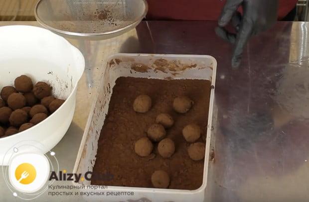 Вот мы и приготовили шоколадные трюфели по простому рецепту.