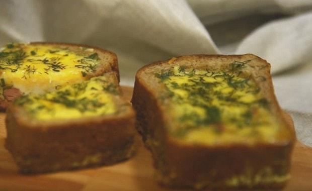 Рецепт приготовления вкусной яичницы в хлебе
